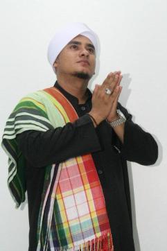 Al-Habib Hamid Bin Muhammad Al-Hamid  (Pengasuh Majelis Ta'lim Shiraathal Mustaqiim)